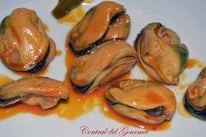 Conservas Areoso mejillones Gourmet 6/8 en escabeche presentación plato
