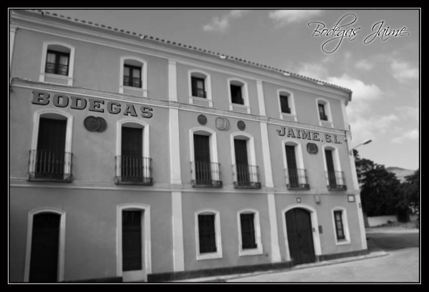 bodegas-jaime-fachada
